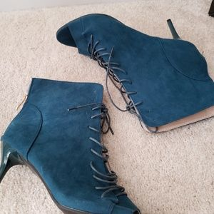 Shoes - Teal open toe lace up booties